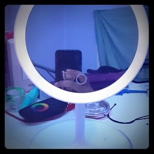 Led desk mirror.